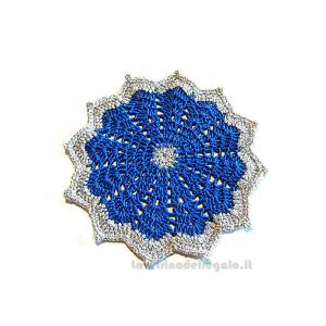 Centrino con 6 sottobicchieri blu e argento per Natale ad uncinetto - Handmade in Italy