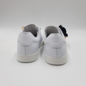 Sneaker bianche applicazione rose Pokemaoke