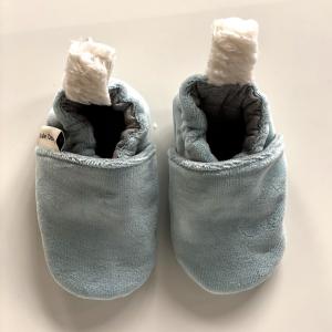 Scarpine neonato azzurre in ciniglia di cotone biologico