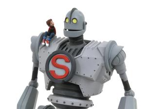 *PREORDER* Il Gigante di Ferro Action Figure: GIGANTE DI FERRO by Diamond Select