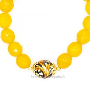 Bracciale giallo in pietre dure con sfera in ceramica di Caltagirone - Gioielli Siciliani