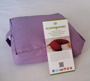 Cuscino yoga meditazione quadrato con  pula di grano saraceno