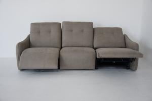 XENA - Divano relax 3 posti con 2 meccanismi recliner elettrici in tessuto tecnico antimacchia e antigraffio