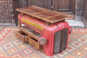 Consolle recuperata da antico trattore indiano