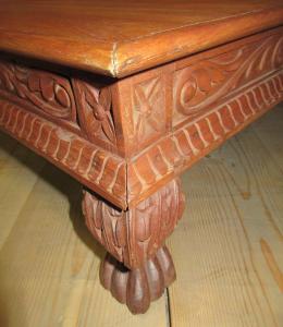 Tavolino quadrato basso in legno di teak indiano stile barocco