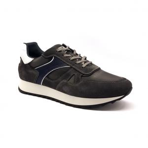 Sneaker grigia NeroGiardini
