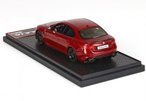 Alfa Romeo Giulia Quadrifoglio 2015 Rosso Competizione Lim. Ed 500pcs 1/43 Bbr