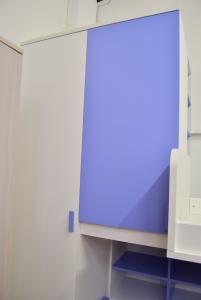 Cameretta (Nuova Da Mostra) Due Letti Con Armadio E Scale Bianca E Azzurra