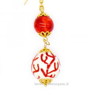 Orecchini con sfere rosse e decoro corallo in ceramica di Caltagirone - Gioielli Siciliani