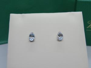 Orecchini con Acqua Marina taglio Ovale e Diamante taglio Brillante in oro bianco 18 kt