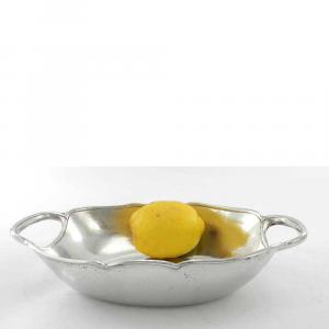 Vassoio ovale in peltro con manici integrati lavorato a mano
