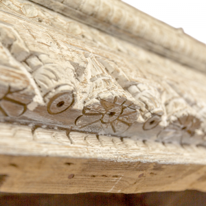 Consolle in legno di teak decapato con frame