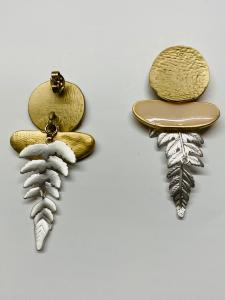 Orecchini pendenti in ottone foglie