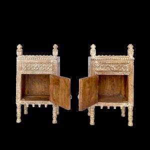 Comodino / mobiletto in legno di palissandro con antina specchietti