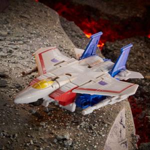 *PREORDER* Transformers Generation: War of Cybertron Core: STARSCREAM by Hasbro