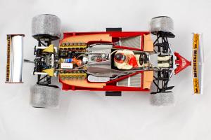 Ferrari 312T4 Rain Tyres #12 1979 Gilles Villeneuve With Umbrella 1/18 Exoto