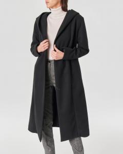 Cappotto nero a vestaglia con scollo sciallato e cappuccio