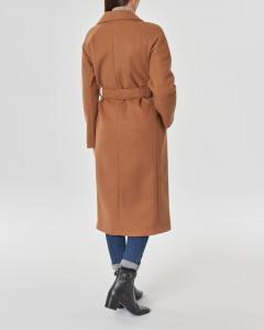 Cappotto color cammello lungo in panno con cintura in vita e scollo a rever