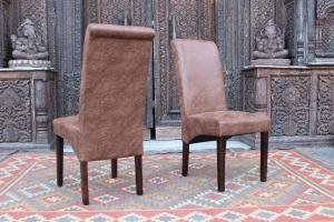 Sedie in ecopelle con gambe in legno