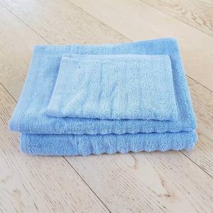Asciugamani azzurro effetto onda