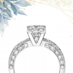 Solitario Icona Oro bianco e Diamanti taglio Brillante