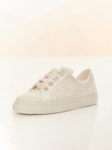 Sneakers sposa in pizzo