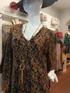Vestito etnico. Abbigliamento etnico donna on line