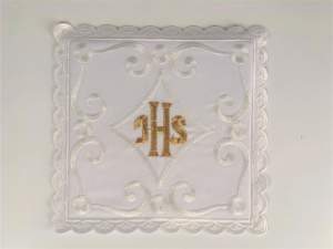 Servizio da messa in lino ricamo IHS