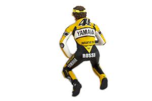Figurine Yamaha Grid Girl Figurine Sitting Valentino Rossi Moto GP Laguna Seca 2005 1/12 Minichamps