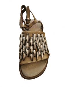 sandalo donna | colore africa | in pelle tamponata | con fascia larga | con dettagli in acciaio anteriori | chiusura alla caviglia | Made in Italy
