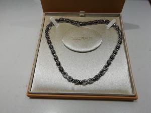 Girocollo chimento in oro bianco con diamanti naturali