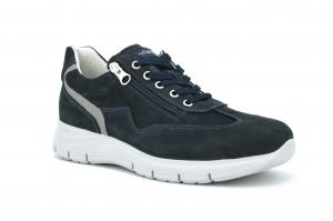 Sneaker in camoscio