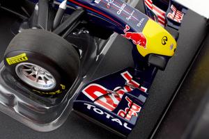 Red Bull Racing Renault RB7 Sebastian Vettel 2011 1/18 Minichamps