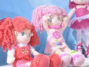 Bambola media in stoffa imbottita da appendere