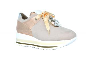 Sneaker con accessorio