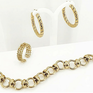 Collana in acciaio oro composta da cerchi Rush