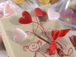 24 fili chiudipacco modellabili con cuori imbottiti