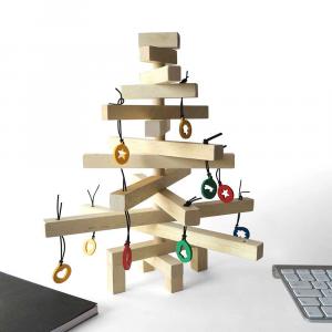 Albero di Natale in legno di faggio cm 30x35 h lavorato a mano