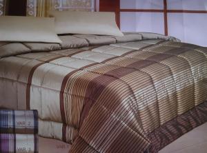 ARTE FIORENTINA. Trapunta invernale in raso con strass, 350gr/m2. Matrimoniale.