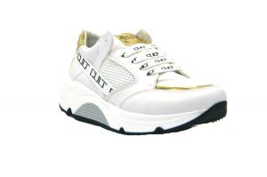 Go 2 sneaker logata