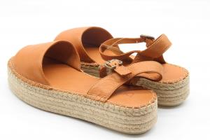 Bueno sandalo in pelle con zeppa platform