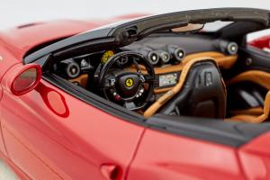 Ferrari California T Spider Rosso Corsa 1/18 MR Collection