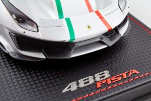 Ferrari 488 Pista Piloti Argento Nurburgring 1/18 MR Collection