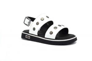 Plate sandalo con borchie