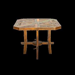Tavolo ottagonale in legno recuperato dalle vecchie imbarcazioni