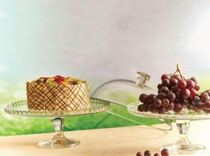 Alzata tonda per dolci in vetro con cloche in vetro