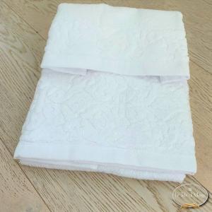 Asciugamani balza in ciniglia bianchi