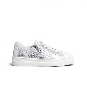Sneaker bianca laminata Nero Giardini