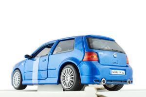 Volkswagen Golf R32 1/24 Maisto