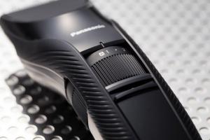 Panasonic ER-GC53-K503, Tagliacapelli, Pettine accessorio, 19 step taglio, Lavabile, Nero